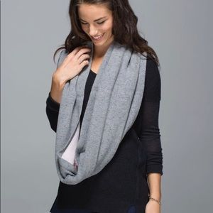 Lululemon blissed our circle scarf